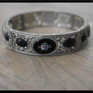 Vintage Floral Stretching Bracelet